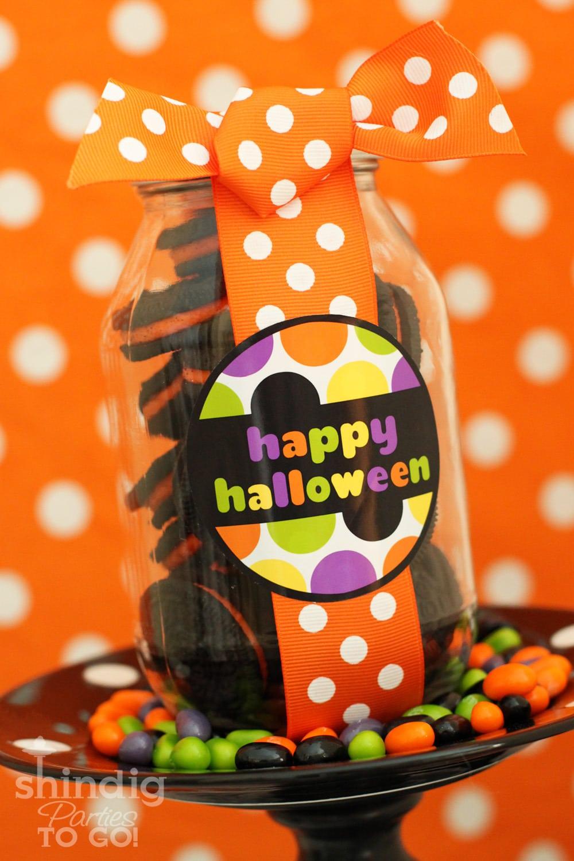 Free Halloween Printables on { lilluna.com } Super cute as tags or labels!