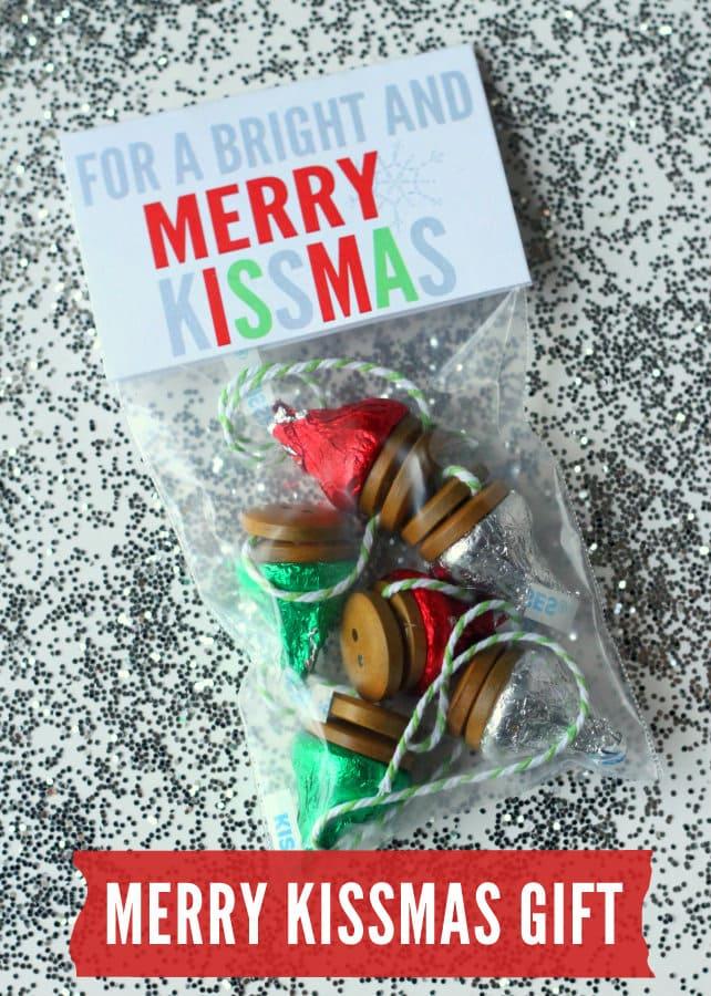 Bright and Merry Kissmas Gift Idea { lilluna.com } Simple and inexpensive!!