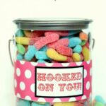 Hooked on You Pail. LOVE this Valentines gift idea on { lilluna.com }