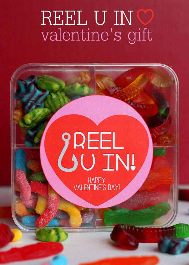 Adorable Reel U In Valentines Gift Idea with free print on { lilluna.com } So easy and takes just minutes to put together!