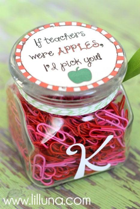If Teachers Were Apples I'd Pick You - CUTE gift idea and free print on { lilluna.com }