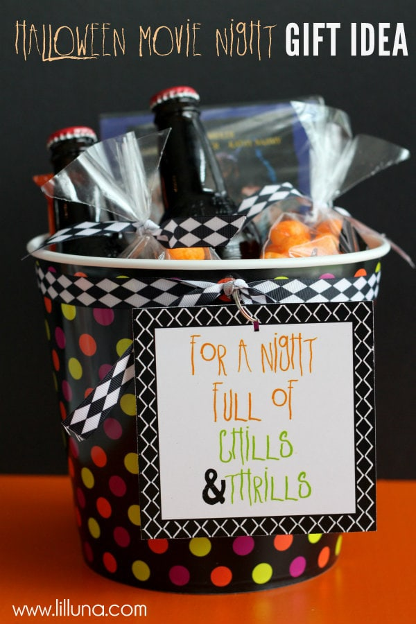 Adorable Halloween Movie Night Gift - A cute basket filled with yummy treats & a movie - perfect for date night { lilluna.com }