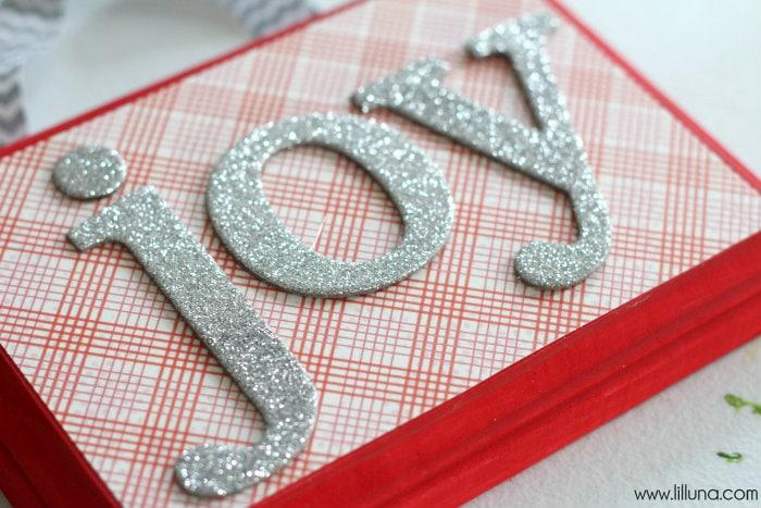 DIY Christmas Word Plaques that make great ornaments! { lilluna.com }
