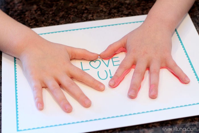 Cute LOVE U Hand Prints printable - perfect gift for Valentine's Day! { lilluna.com } Super easy and kids will have fun helping!!
