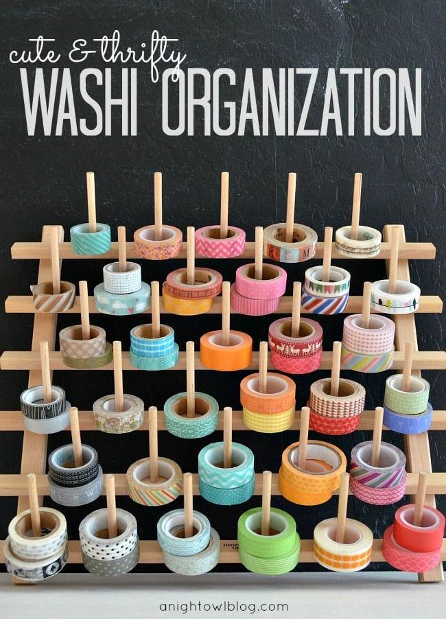 20+ Craft Room Organization Ideas to help keep your craft room neat and tidy! { lilluna.com }