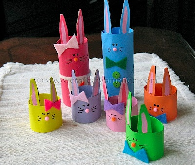 A fun and easy round-up of 20+ Easter Kids Crafts - great collection on { lilluna.com }