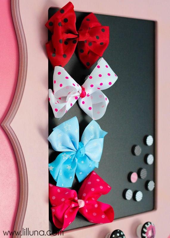 framed-magnetic-bow-holder-7