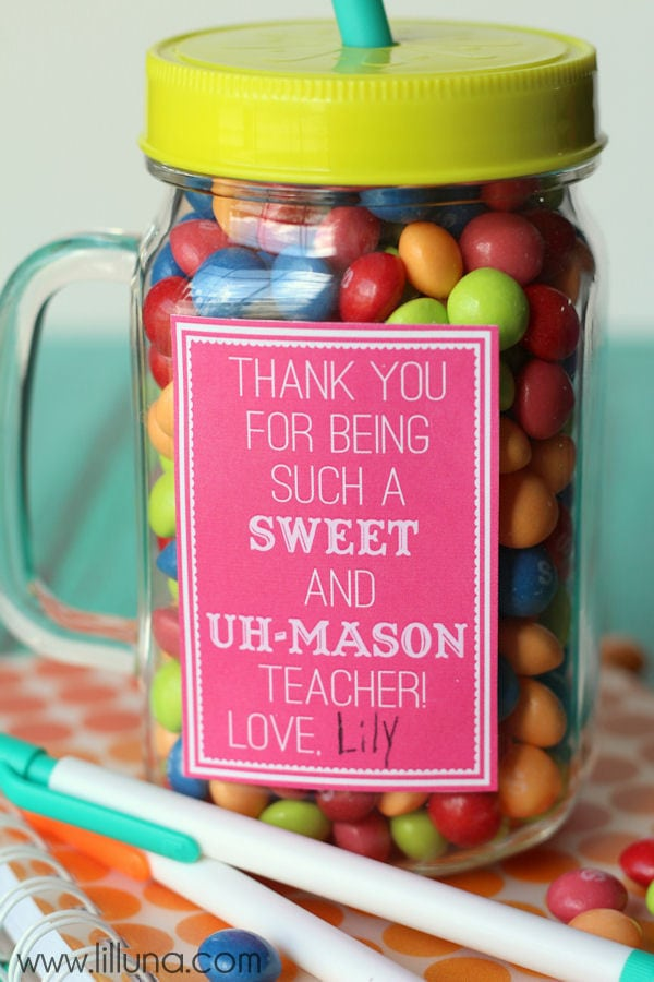 Sweet and Uh-Mason Teacher gift ideas - free prints on { lilluna.com } Such a cute and practical gift filled with yummy treats!