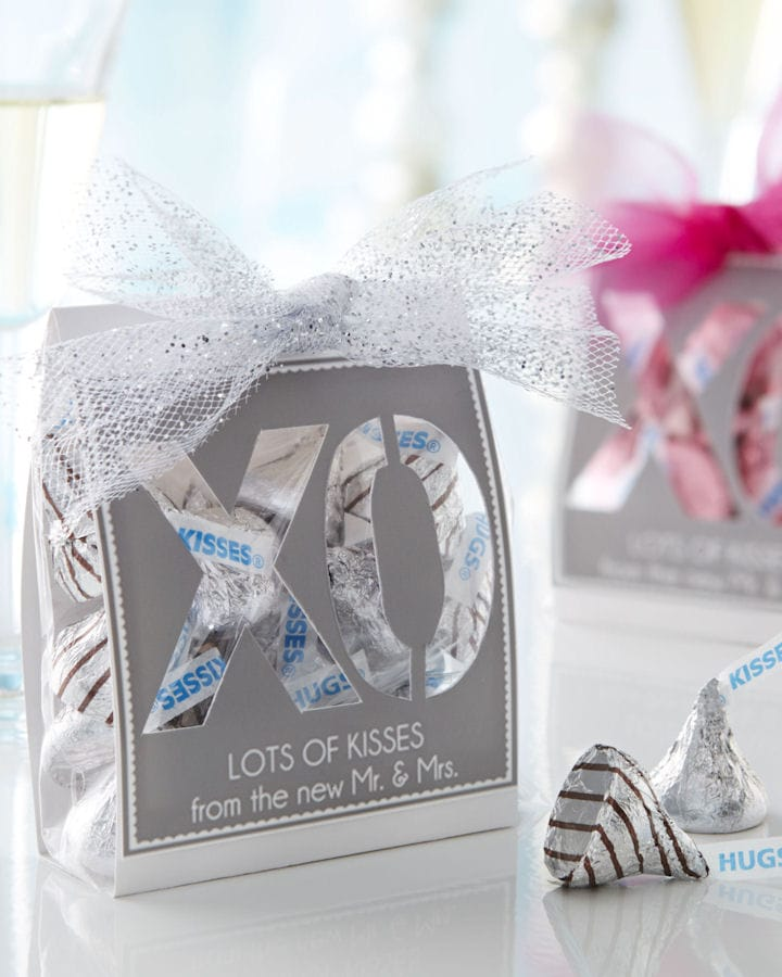 Kisses XO Wedding Favors Tutorial { lilluna.com }