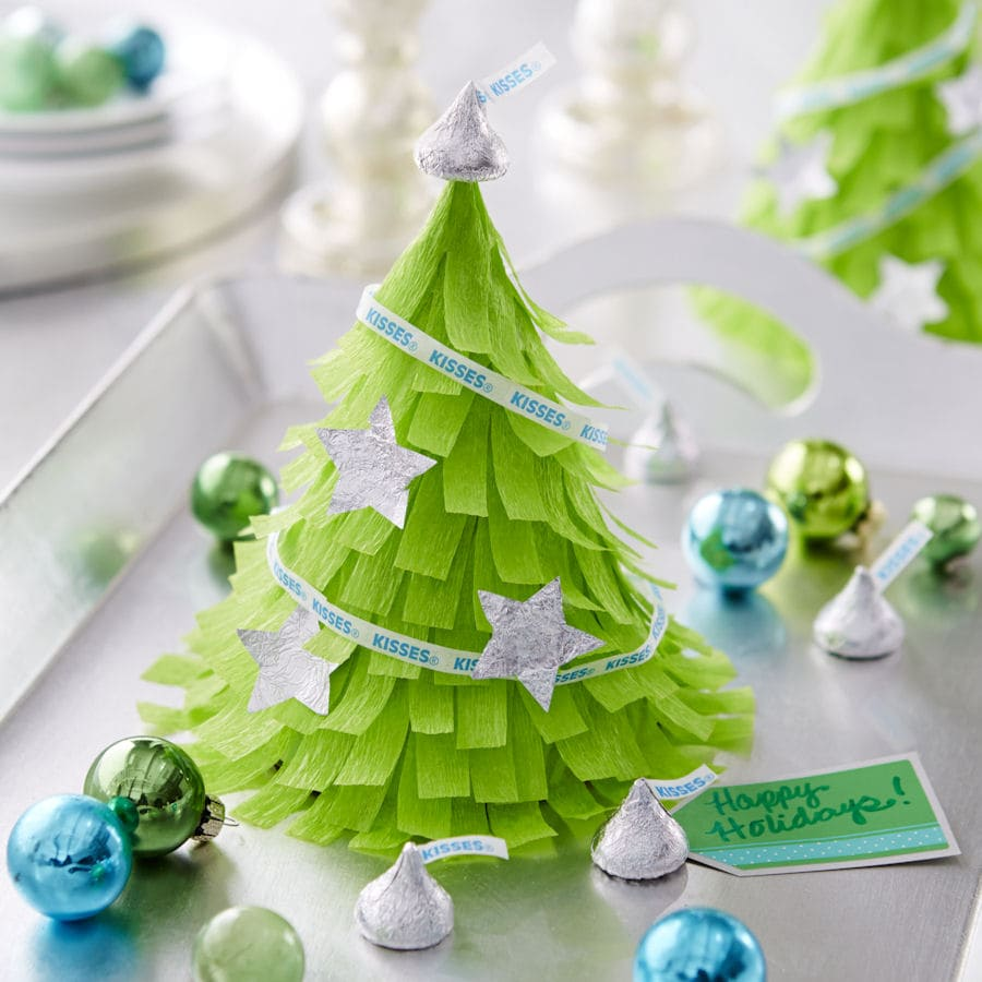 Hershey's Mini Christmas Tree Pinata filled with candy - cute favors! { lilluna.com }