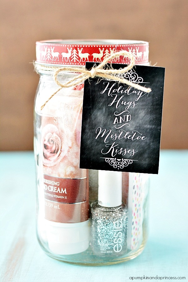 ADORABLE Pedi in a Jar Gift Idea - perfect for Christmas! All a girl needs to pamper herself fit into this cute jar with FREE tag.