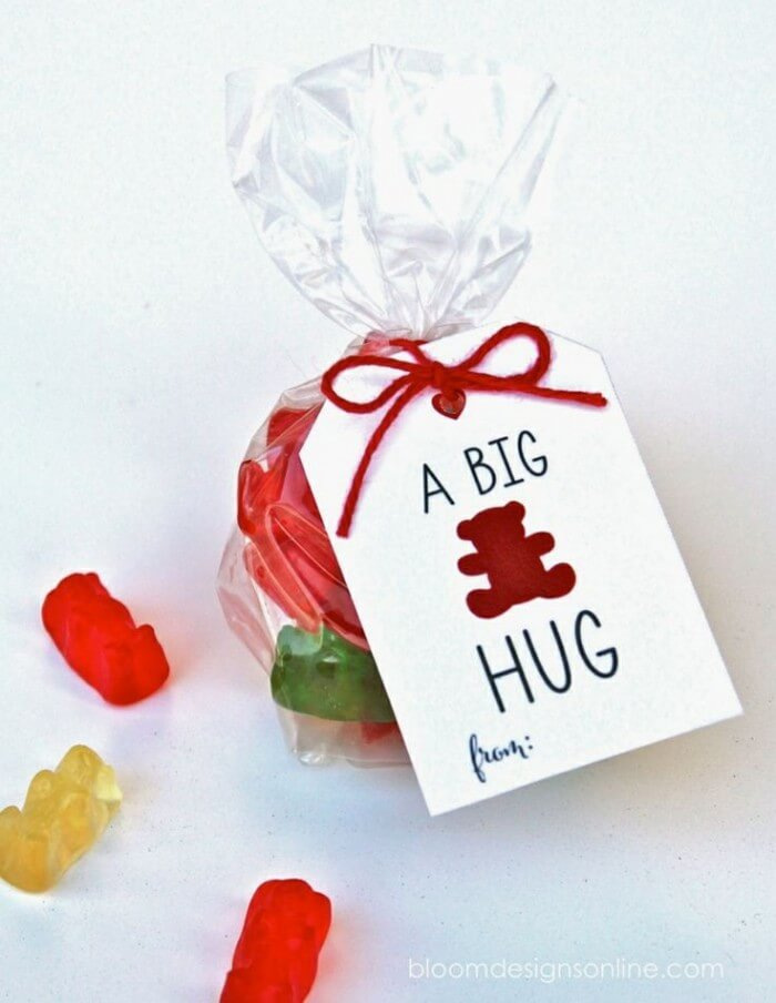 20+ Treat Valentines - 20+ FREE Treat Valentine Printables. Lots of cute and yummy ideas!!