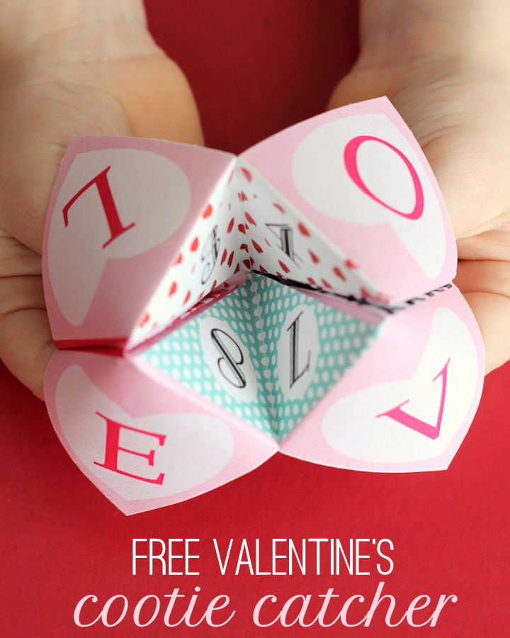 Free Printable Valentine's Cootie Catcher { lilluna.com } Hours of entertainment on this super cute and easy to make game!