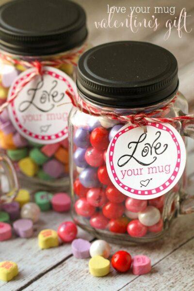 LOVE your Mug Valentine's gift idea - free tags on { lilluna.com } A simple and inexpensive idea!