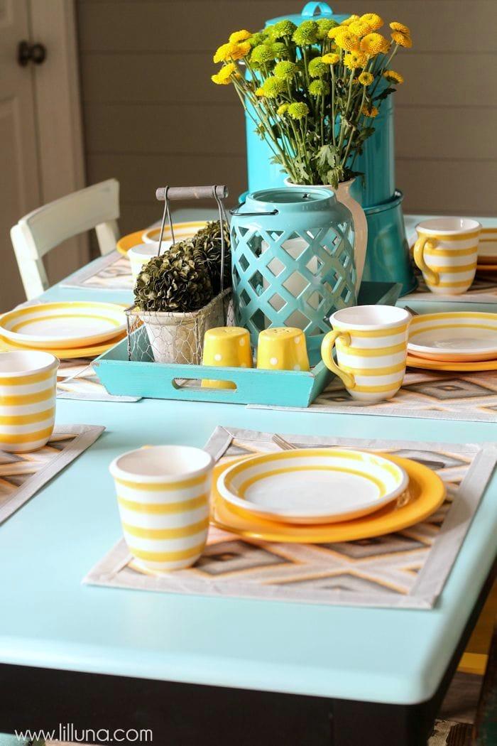 Beautiful Table Makeover tutorial on { lilluna.com }