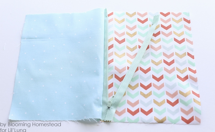 Easy sew zipper pouches - Perfect beginner project! Full tutorial on { lilluna.com }