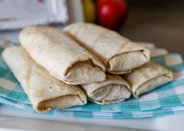 DELICIOUS El Monterey Breakfast Burritos - a family favorite!
