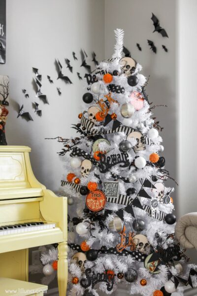 Halloween tree - a great idea to add to your Halloween decor this year!