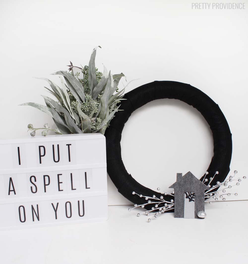 Haunted House Halloween Wreath - a simple, neutral, and spooky wreath perfect for your Halloween decor!!
