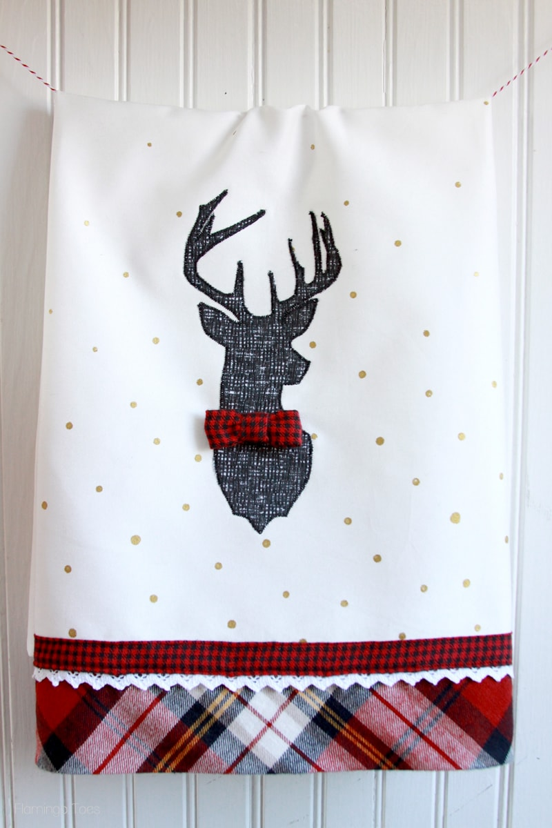 Adorable and Stylish Christmas Deer Dish Towel Tutorial { lilluna.com } Supplies needed are - fabric, fusible webbing, lace, and paint to make this super cute towel!!