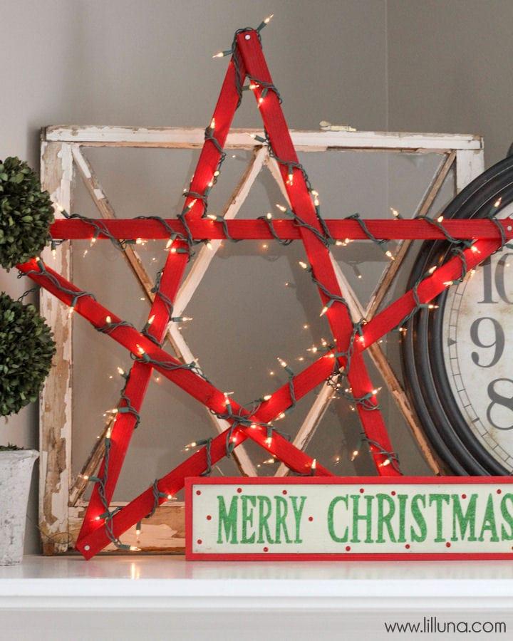 DIY Lighted Christmas Star Tutorial { lilluna.com } Super cute!! Simple and inexpensive to make, too!