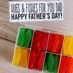 20+ DIY Father's Day Gift Ideas - lots of awesome DIY projects and printables that make a great gift for Dad or Grandpa! See it on { lilluna.com }