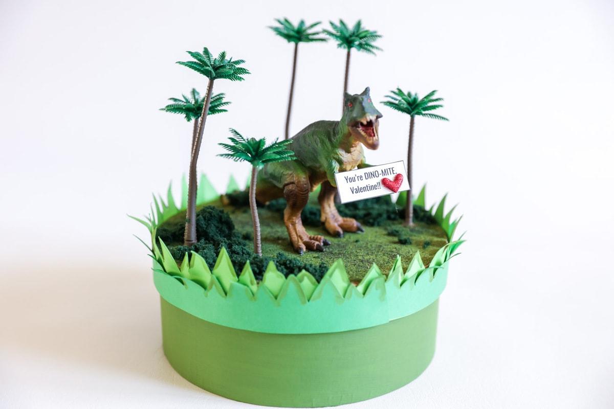Dinosaur Valentine Box