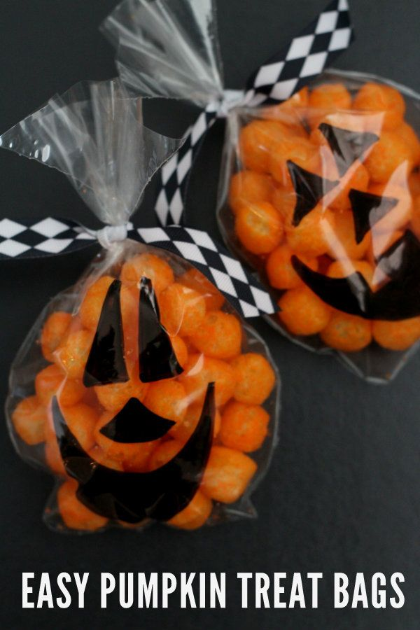 20+ Non-Candy Halloween Treats on { lilluna.com }!! Fun and cute little treats, perfect as party favors, gifts, and goodies!